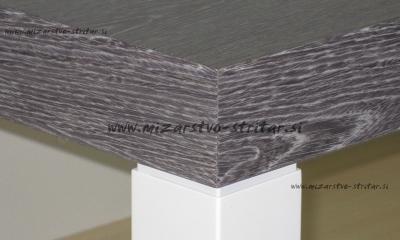 Beljen sivi hrast